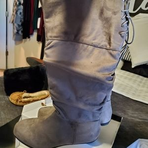 Tall slouch boots